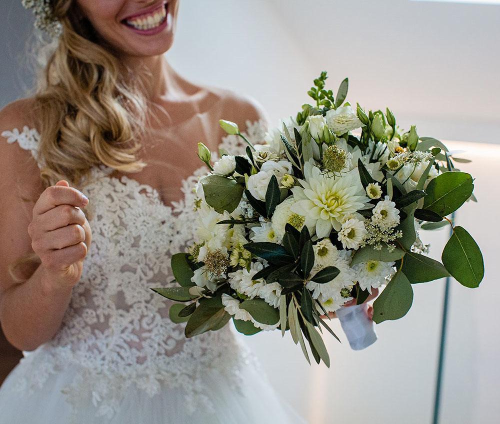 S+F bouquet sposa fiori bianchi a Bolzano