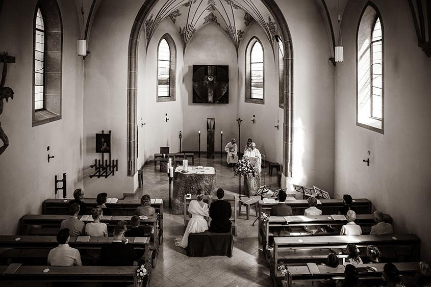 D+J Matrimonio in Alto Adige - decorazione chiesa