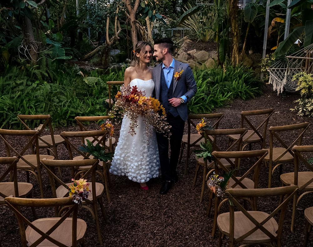 Cerimonia simbolica per matrimonio a tema tropicale